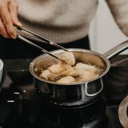 vyprazanie-krevety-v-obale-hanak-kuchyne